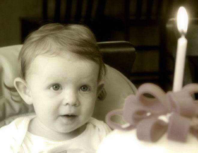 ella-1st-birthday-bw